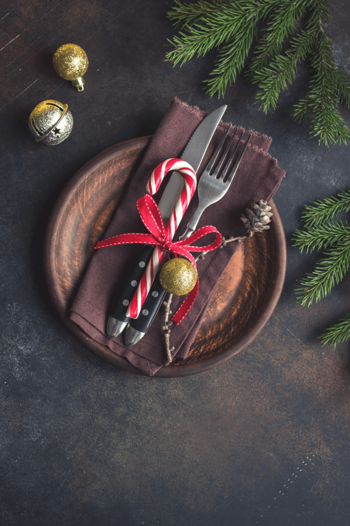 16 Must-Haves for a Beautiful Rustic Christmas Tablescape