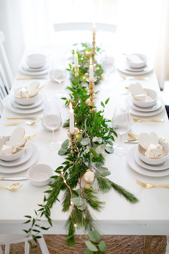 white green and gold christmas table