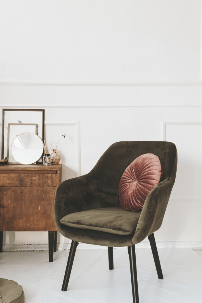 The 17 Best Accent Chair Ideas for a Small Living Room to Create Extra Seating Space