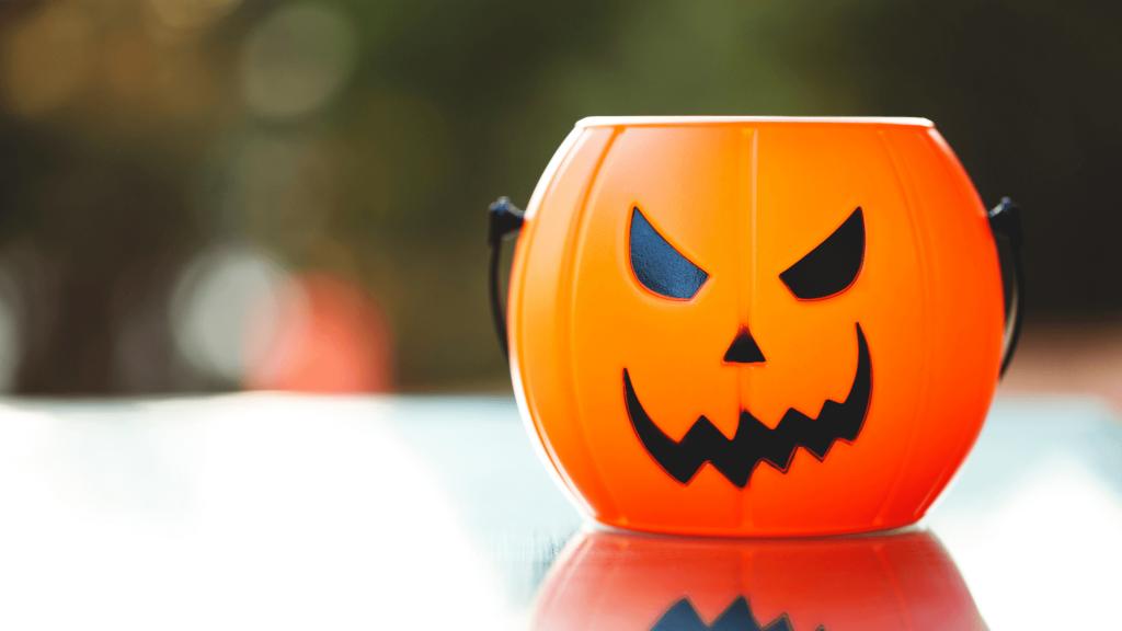 spooky basket ideas for boyfriend
